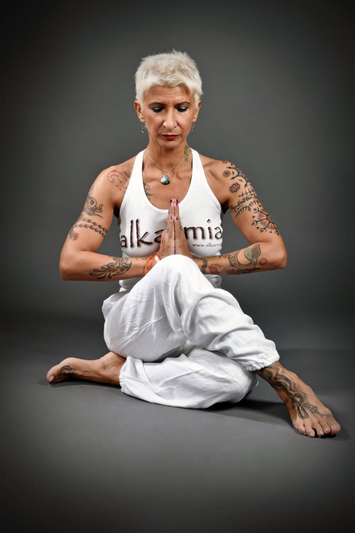 nadia-fagioli-insegnante-di-yoga-a-ferrara-studio-alkaemia-2